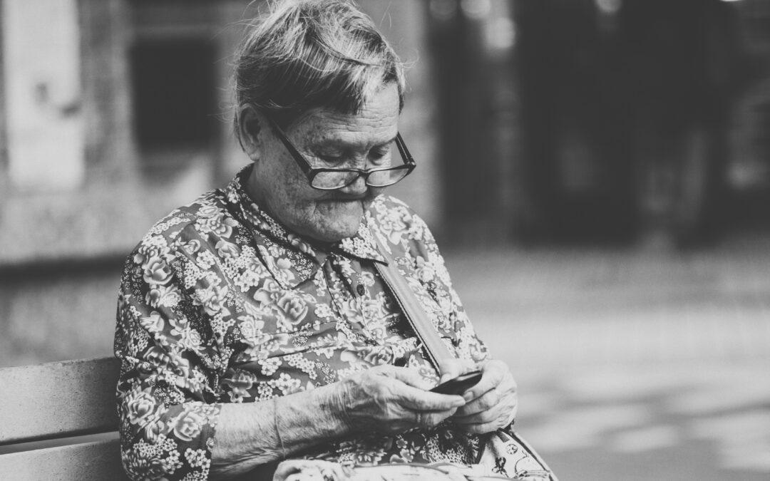 Anziani, barriera digitale da abbattere